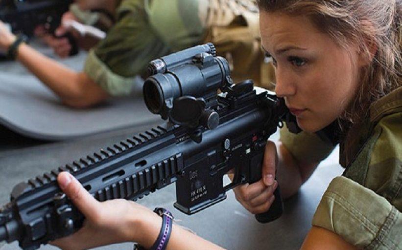 Kadınlara zorunlu askerlik geldi!