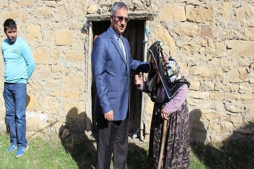 Kaymakam Yavuz Yaşlılar Evde Yalnız Değilsiniz Projesini Takip Ediyor