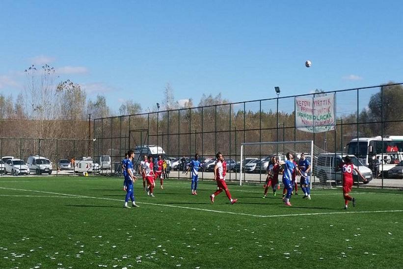Kelkit Belediye Hürriyet Spor Evinde Iğdır Aras Spor'a 1-0 Yenildi