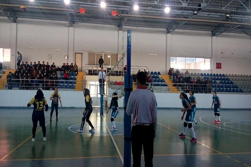 Okul Sporları Voleybol Müsabakaları Devam Ediyor