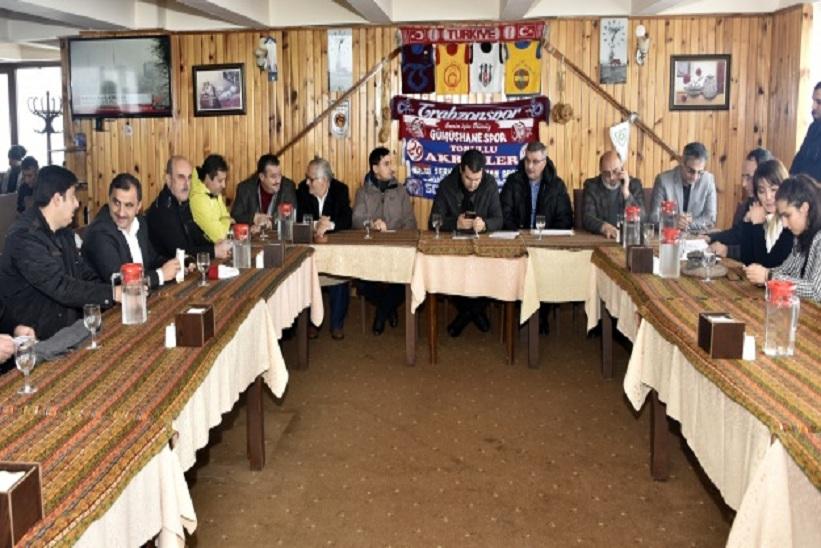 Zirve'de Geniş Katılımlı Toplantı