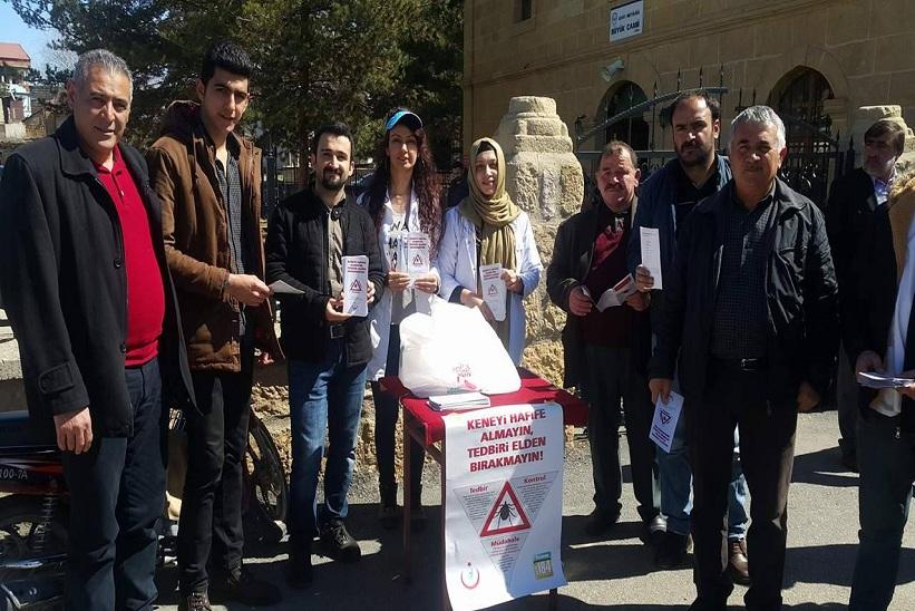 Kelkit Toplum Sağlığı Merkezi Cami Önlerinde Stant Kurdular