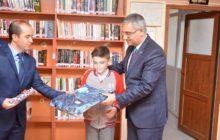 Kelkit'te En Çok Kitap Okuyan Öğrenciye Hediye Takdim Edildi