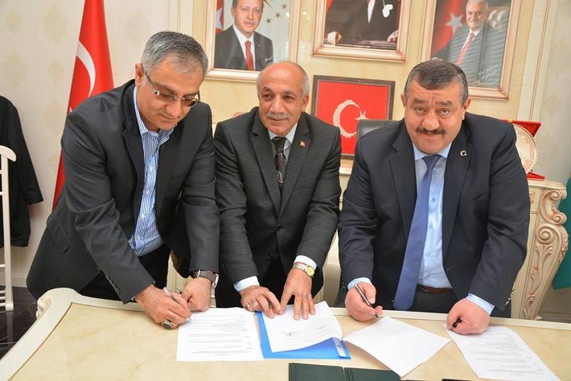 Kaymakam Yavuz Başkan Yılmaz Kelkit Sosyal Hizmet Merkezi Müdürlüğü Protokolünü İmzaladılar