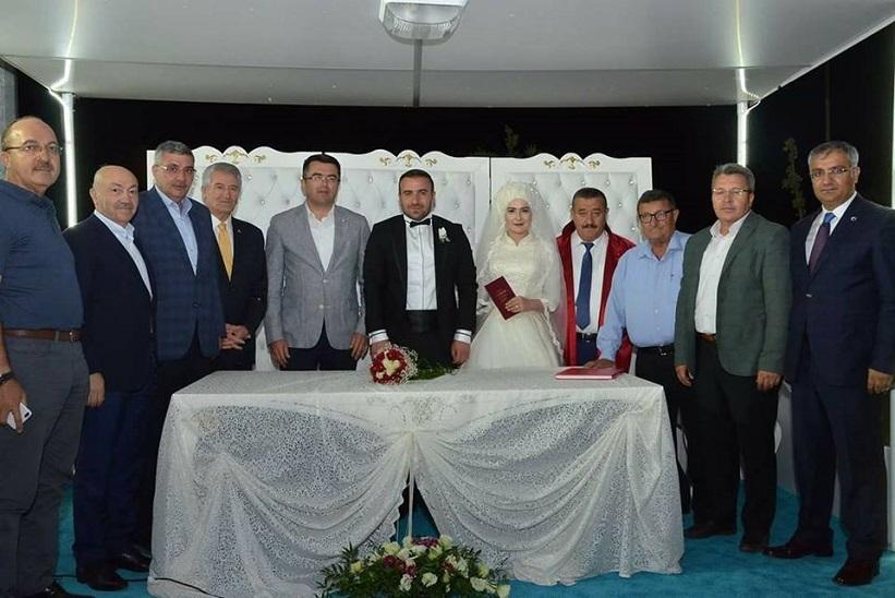Ertan Yılmaz'ın Düğününde Bir Araya Geldiler