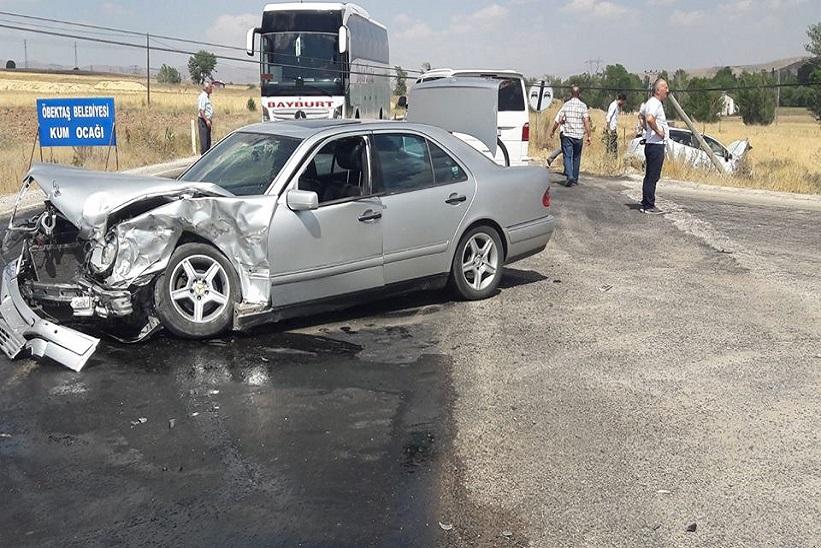 Kelkit'te Trafik Kazası 6 Yaralı