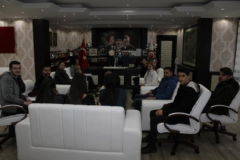MYO Müdürü Yrd Doç Dr Ve MYO Personeliyle Birlikte Öğrenciler Kaymakam Yavuz'u Ziyaret Ettiler.