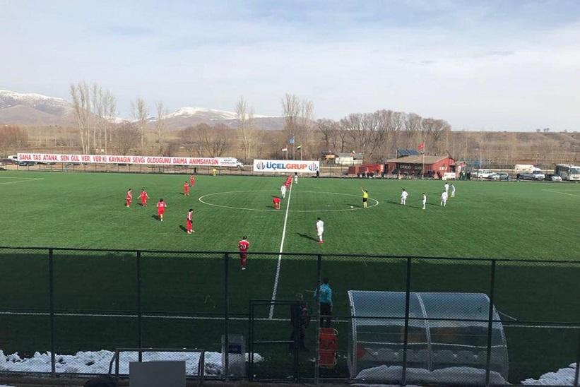 Kelkit Belediye Hürriyet Spor Konuk Ettiği Bayburt Çatık Sporu 4-0 Mağlup Etti