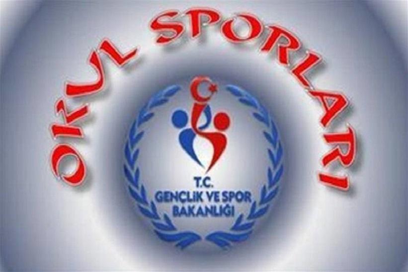 Başkan Yılmaz Okul Spor Faaliyetleri Kelkit Spor Salonunda Düzenlenecektir.