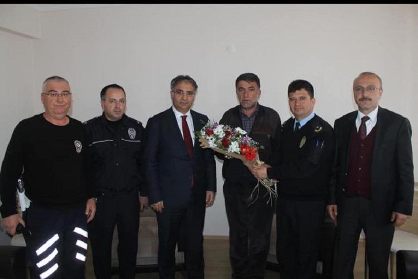 Kaymakam Yavuz Emniyet Müdürü Taşan Polis Ve Gazi Ailelerini Ziyaret Ettiler.