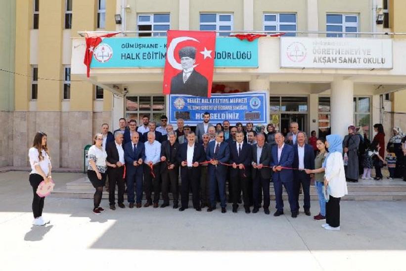 Kelkit Halk Eğitimi Merkezi Yıl Sonu Sergisi Ve Öğrenme Şenliğinin Açılışı Gerçekleştirildi.