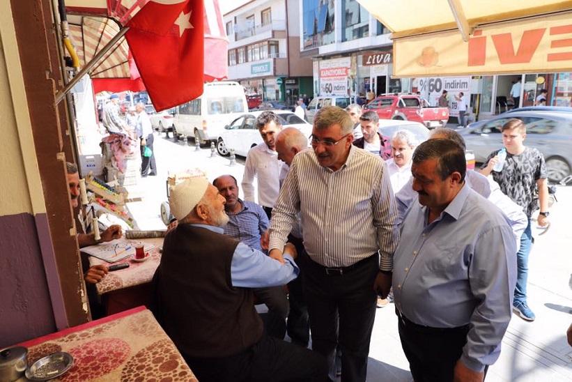 Milletvekili Cihan Pektaş Ve Beraberindekiler Çarşı Esnafını Ziyaret Ettiler