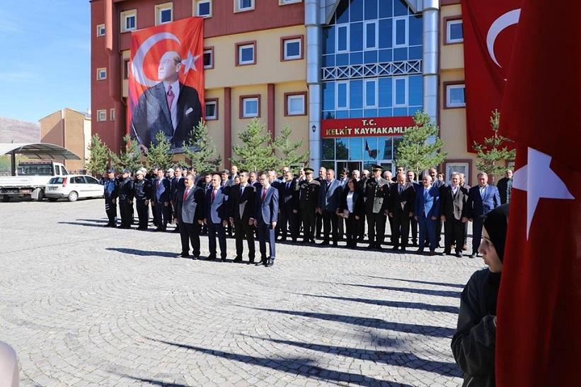 29 Ekim Cumhuriyet Bayramı Çelenk Koyma Töreni İle Başladı.