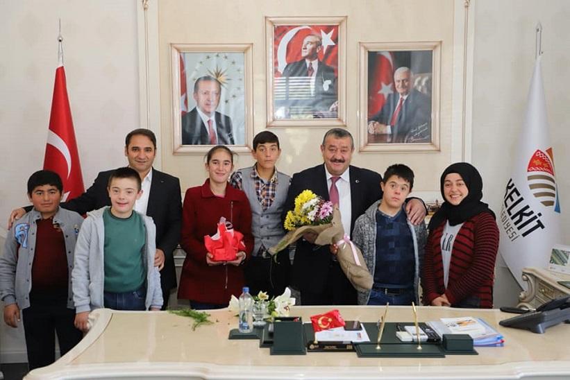 Başkan Yılmaz Ziyaretleri İçin Öğrencilerimize Ve Öğretmenlerimize Teşekkür Ediyorum