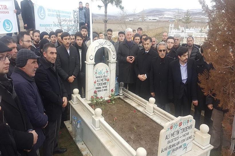 Ali Metin Tokdemir Vefatının 23.Yıl Dönümünde Mezarı Başında Anıldı