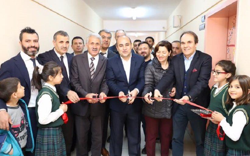 Kaymakam Aydın Başkan Nas Ve Beraberindekiler Kütüphane Açılışını Gerçekleştirdiler.