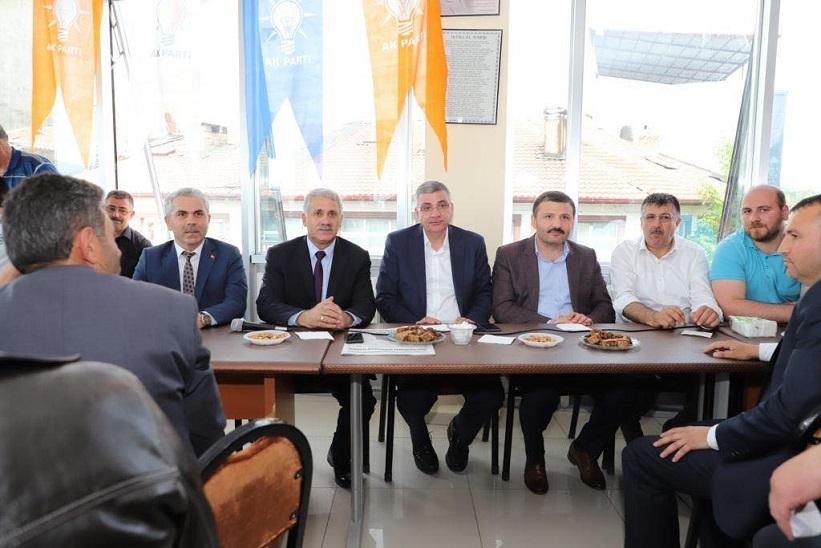 Ak Parti İlçe Teşkilatında Geleneksel Bayramlaşma Töreni Gerçekleştirildi.