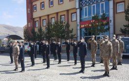 Polis Ve Asker Kutlamayı Birlikte Yaptı